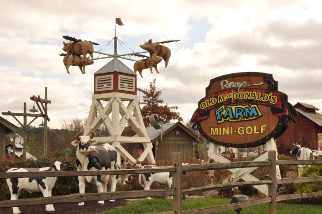 Top 6 Places For The Best Mini Golf In Pigeon Forge And