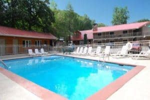 outdoor pool at Quality Inn Creekside